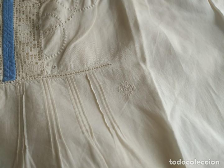 Antigüedades: Lote de dos camisas camisetas interiores de mujer. Algodón. Principios s. XX - Foto 10 - 220298776