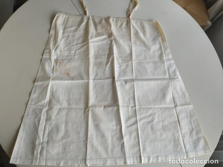 Antigüedades: Lote de dos camisas camisetas interiores de mujer. Algodón. Principios s. XX - Foto 16 - 220298776