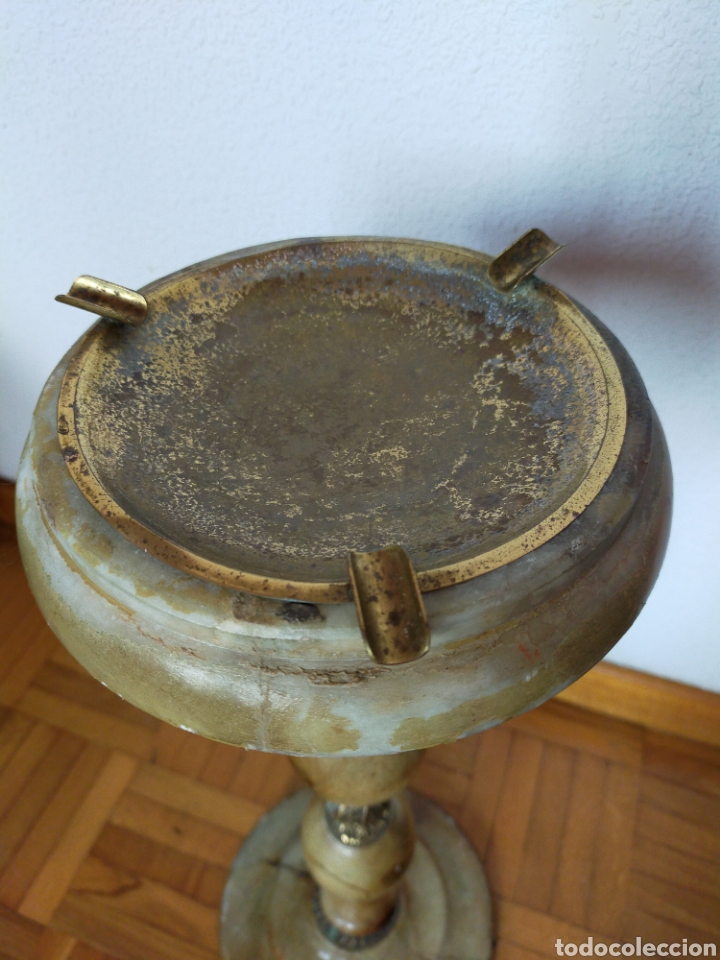 Antigüedades: Cenicero de pié en alabastro - Foto 3 - 220358301