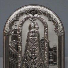 Antigüedades: BONITA VIRGEN DE LORET. PLACA DE PLATA 999MM. Lote 220426253