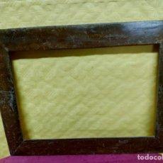 Antigüedades: MARCO ANTIGUO EN MADERA DE NOGAL SIGLO XX, 3000-324. Lote 77597637