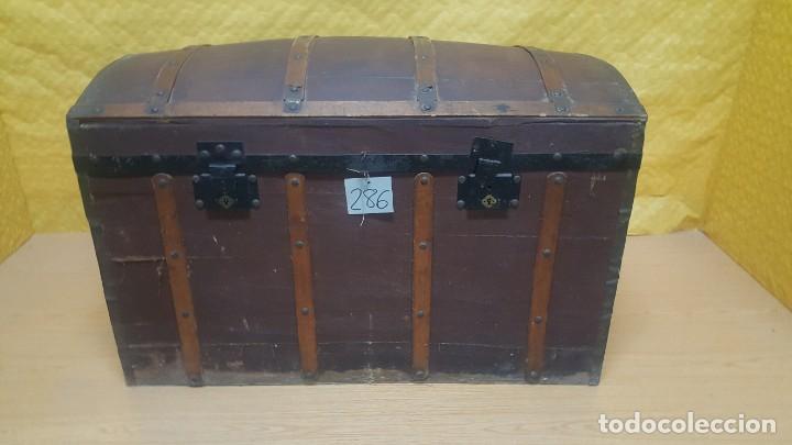 Antigüedades: BAÚL EN MADERA DE PINO SIGLO XX, 6000-286 - Foto 2 - 45731701