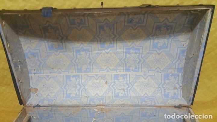 Antigüedades: BAÚL EN MADERA DE PINO SIGLO XX, 6000-286 - Foto 13 - 45731701