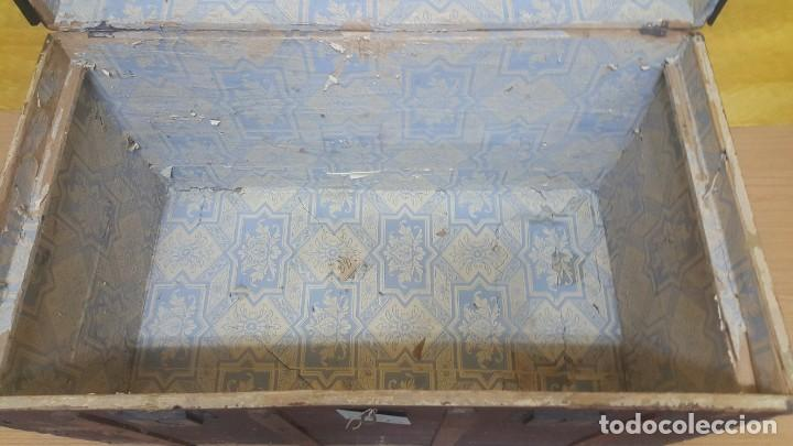 Antigüedades: BAÚL EN MADERA DE PINO SIGLO XX, 6000-286 - Foto 14 - 45731701