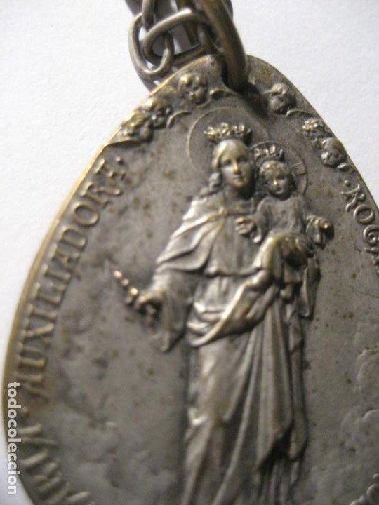 ANTIGUA MEDALLA CON CADENA - PLATA ? DOS CARAS MARIA AUXILIADORA Y SAGRADO CORAZON 3,50 CM (Antigüedades - Religiosas - Medallas Antiguas)
