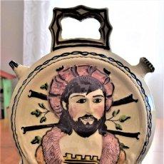 Antigüedades: ARTÍSTICO BOTIJO CERAMICA DOBLE CARA FIRMADO MAESTRE BIAR ALICANTE. MEDIDAS 23X34 CM. BUEN ESTADO. Lote 220597572