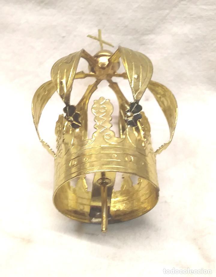 Antigüedades: Corona Laton Cinzelado y repujado para Imagen Religiosa años 60. Med. 4,50 x 8 cm - Foto 2 - 278938813
