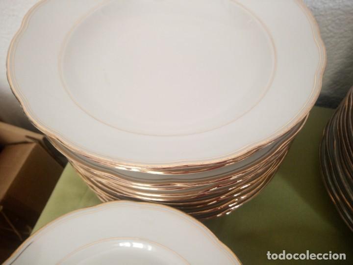Antigüedades: Elegante vajilla de porcelana kahla,blanca con filo de oro,años 50. 40 piezas - Foto 11 - 241879685