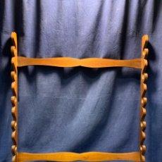 Antiquités: PORTA BASTONES DE COLECCION COLGADOR EXPOSITOR MADERA CAOBA 64,5X60CMS PPIO S XX. Lote 220661670