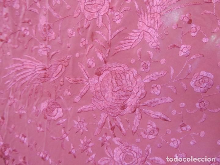 Antigüedades: Precioso mantón de manila color teja, Muchos bordados de rosas y pájaros - Foto 22 - 220667661