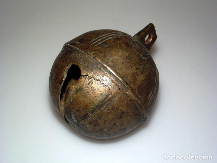 GRAN CASCABEL GANADERO DE BRONCE - 7,8 CMS. DE DIÁMETRO. (Antigüedades - Técnicas - Rústicas - Ganadería)