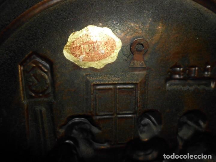 Antigüedades: Plato de cobre repujado - Foto 4 - 220688741
