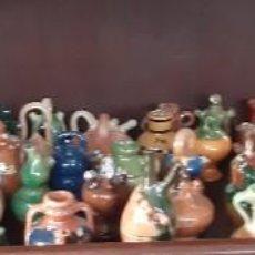 Antigüedades: LOTE 67 BOTIJOS BARRO MINIATURA PEQUEÑOS. Lote 220707255