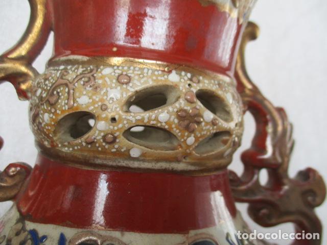 Antigüedades: ESPECTACULAR Y ANTIGUO JARRÓN ORIENTAL DE CERÁMICA / SAMURAIS - JAPÓN - PINTADO A MANO, FIRMADO - Foto 3 - 220761598