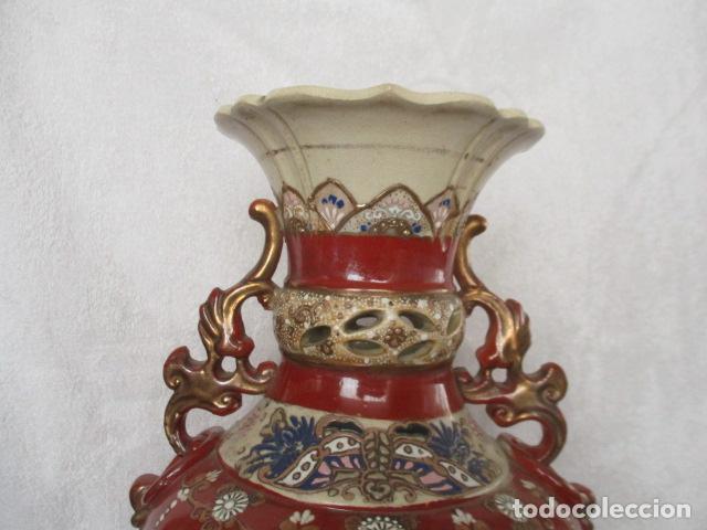 Antigüedades: ESPECTACULAR Y ANTIGUO JARRÓN ORIENTAL DE CERÁMICA - JAPÓN - PINTADO A MANO, FIRMADO / SAMURAIS - Foto 23 - 220761598