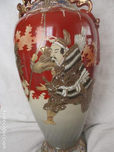 Antigüedades: ESPECTACULAR Y ANTIGUO JARRÓN ORIENTAL DE CERÁMICA - JAPÓN - PINTADO A MANO, FIRMADO / SAMURAIS - Foto 25 - 220761598