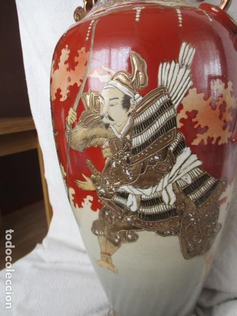 Antigüedades: ESPECTACULAR Y ANTIGUO JARRÓN ORIENTAL DE CERÁMICA - JAPÓN - PINTADO A MANO, FIRMADO / SAMURAIS - Foto 26 - 220761598