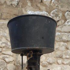 Antigüedades: HORNILLO PORTATIL DE PETROLEO MARCA SERROT. COMPLETO. Lote 220787165