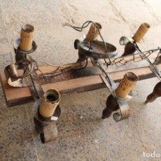 Antiguidades: LAMPARA DE TECHO RUSTICA EN HIERRO DE FORJA Y MADERA. Lote 220808671