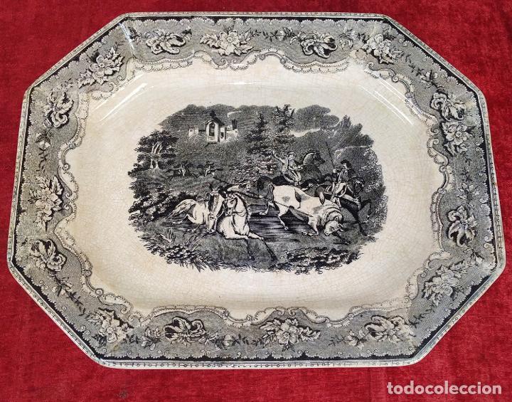 BANDEJA. LOZA ESMALTADA DE CARTAGENA. ESPAÑA. SIGLO XIX (Antigüedades - Porcelanas y Cerámicas - Cartagena)