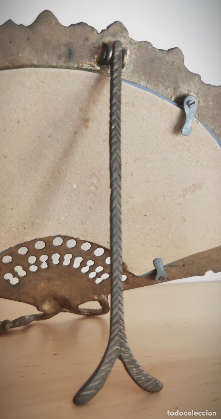 Antigüedades: Espejo biselado de sobremesa - bronce macizo de principios del SXX en forma de abanico - victoriano - Foto 7 - 220897518