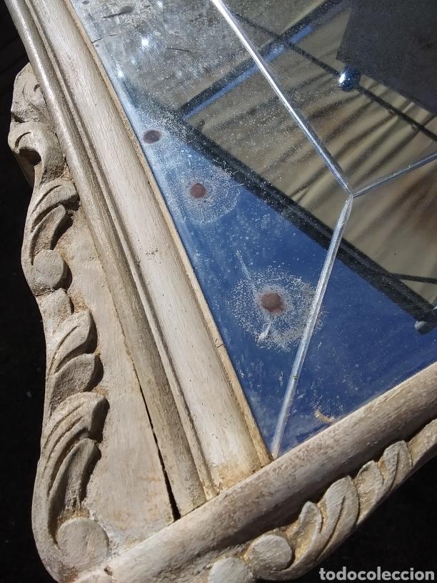 Antigüedades: Espejo de madera en blanco roto con patina - Foto 8 - 220913606