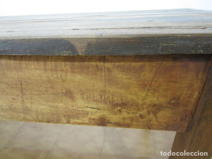 Antigüedades: Antigua Mesa Larga Rústica - Patas y Sobre en Madera de Olmo - Largo 235 cm - S. XIX - Foto 14 - 220966603