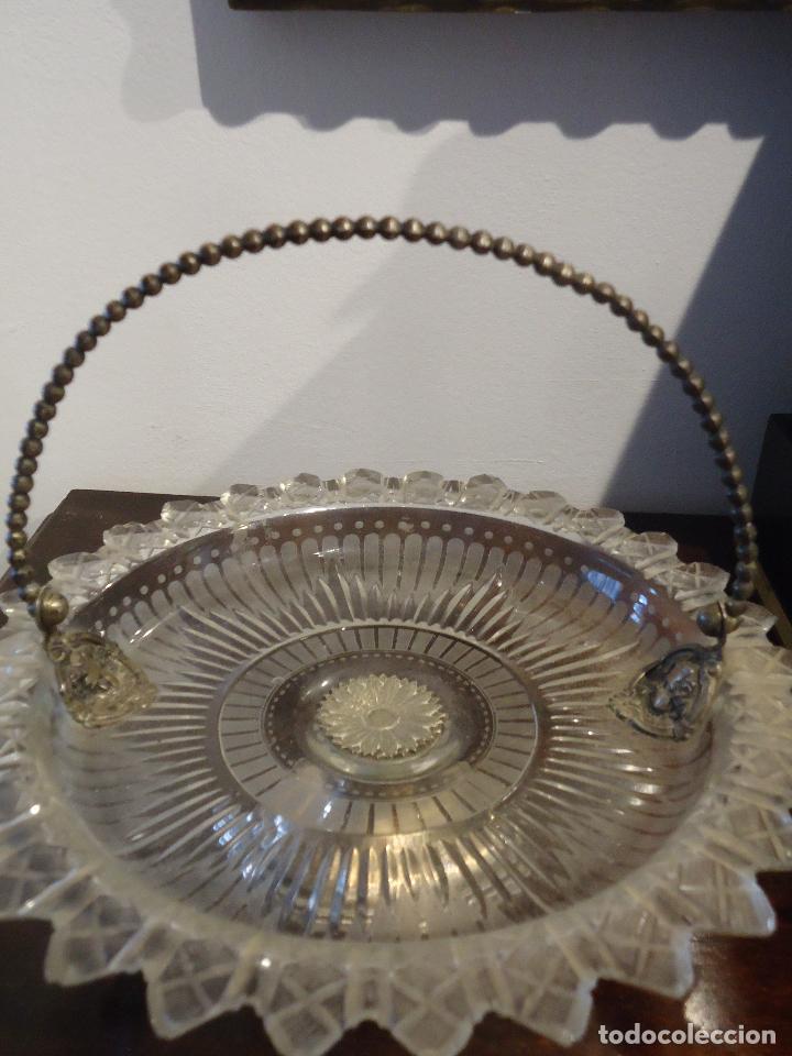 Antigüedades: Frutero, repostero, centro de Mesa siglo XIX en cristal tallado - Foto 7 - 220979815