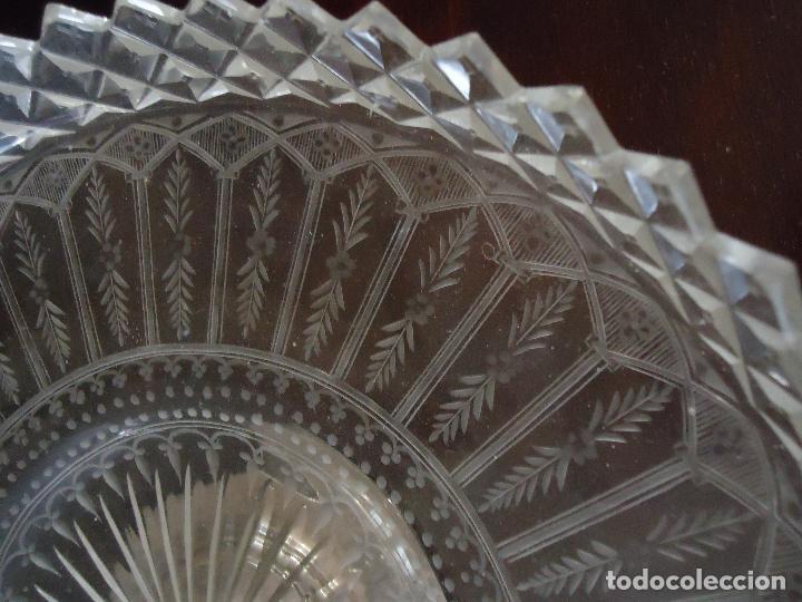 Antigüedades: Centro de Mesa repostero frutero siglo XIX en cristal tallado - Foto 3 - 220980811