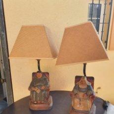 Antigüedades: LOTE DE 2 LAMPARÍAS DE SOBREMESA, FIRMADAS. Lote 220992482
