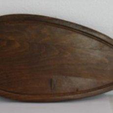 Antiguidades: BANDEJA TABLA GRANDE PARA PESCADO, SALMÓN EN MADERA Y METAL PLATEADO. SEGUNDA MITAD SIGLO XX. Lote 221000906