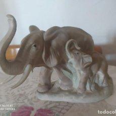 Antigüedades: ELEFANTE Y SU BEBÉ MADE IN SPAIN. Lote 221118818