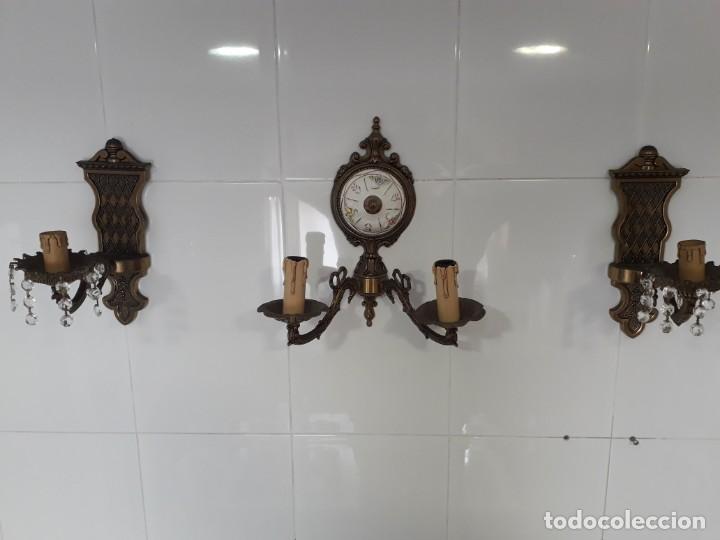 TRES APLIQUES DE PARED EN BRONCE EN PERFECTO ESTADO (Antigüedades - Iluminación - Apliques Antiguos)