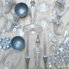 Antigüedades: CANDELABROS LAMPARA DE CRISTAL TALLADO DE 4 BRAZOS DESMONTADOS CON ADORNOS Y LAGRIMAS.INCOMPLETOS. Lote 221229853