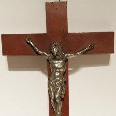 Antigüedades: CRISTO TAL CUAL SE VE EN LAS FOTOS TIENE COMO SE OBSERVA EL BRAZO ROTO. Lote 221261008
