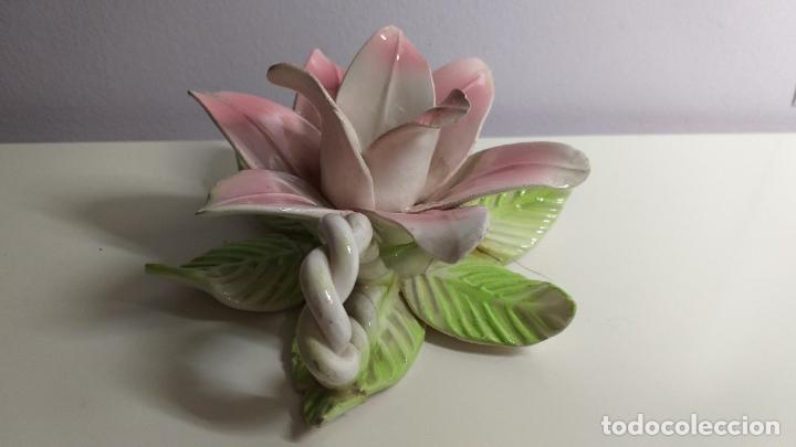 Antigüedades: Centro de mesa en forma de flor. Flor decorativa. - Foto 4 - 221268645