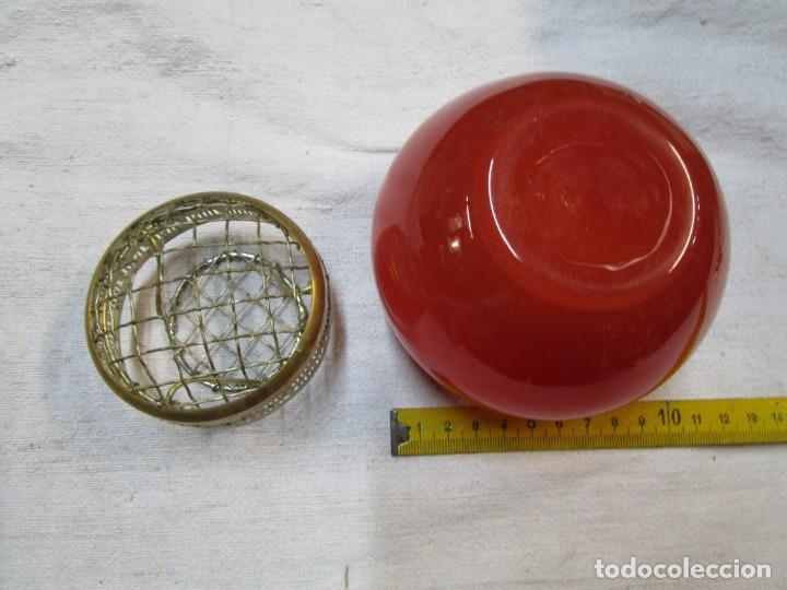 Antigüedades: ANTIGUO FLORERO DE SOBREMESA EN VIDRIO CON SEPARADOR DE LOS TALLOS EN METAL. EXCELENTE + INFO + INF - Foto 2 - 221304613