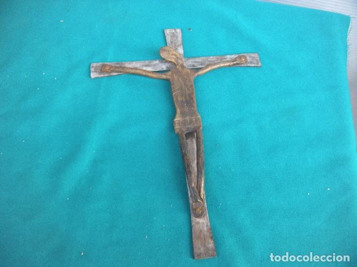 Antigüedades: CRUCIFIJO EN HIERRO FORJADO - Foto 4 - 221326526