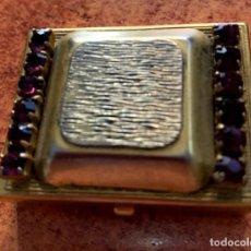 Antigüedades: CAJA/ PASTILLERO CON PIEDRAS GRANATES.. Lote 221329388