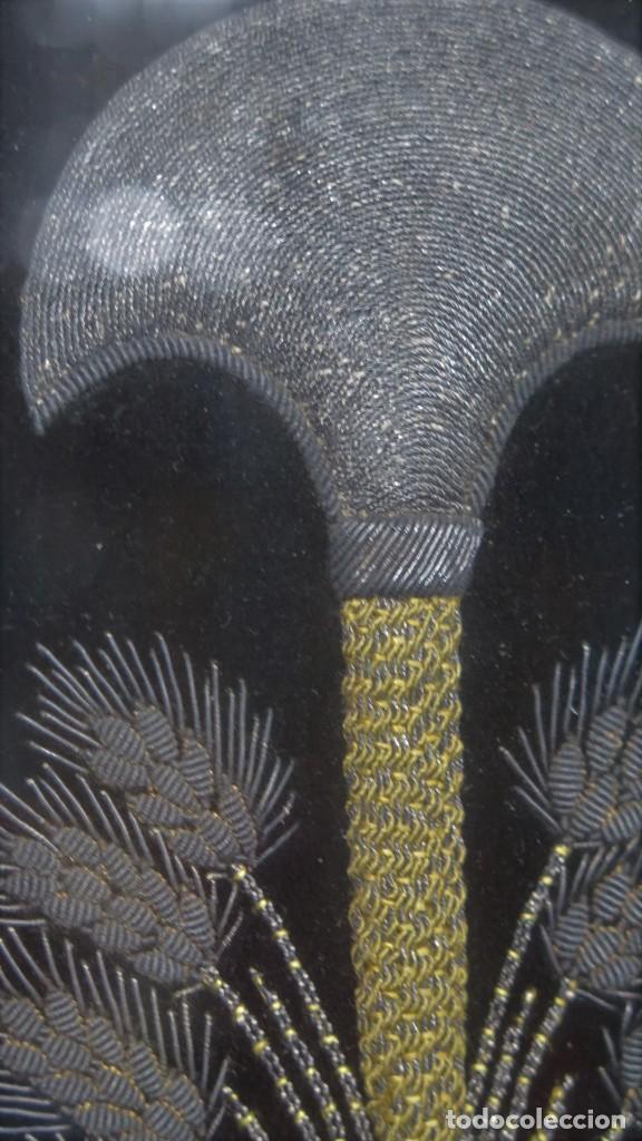 Antigüedades: RESPOTERO DE HERMANDAD O SOCIEDAD SECRETA. HILO DE PLATA SOBRE TERCIOPELO. SIGLO XIX - Foto 12 - 221336020