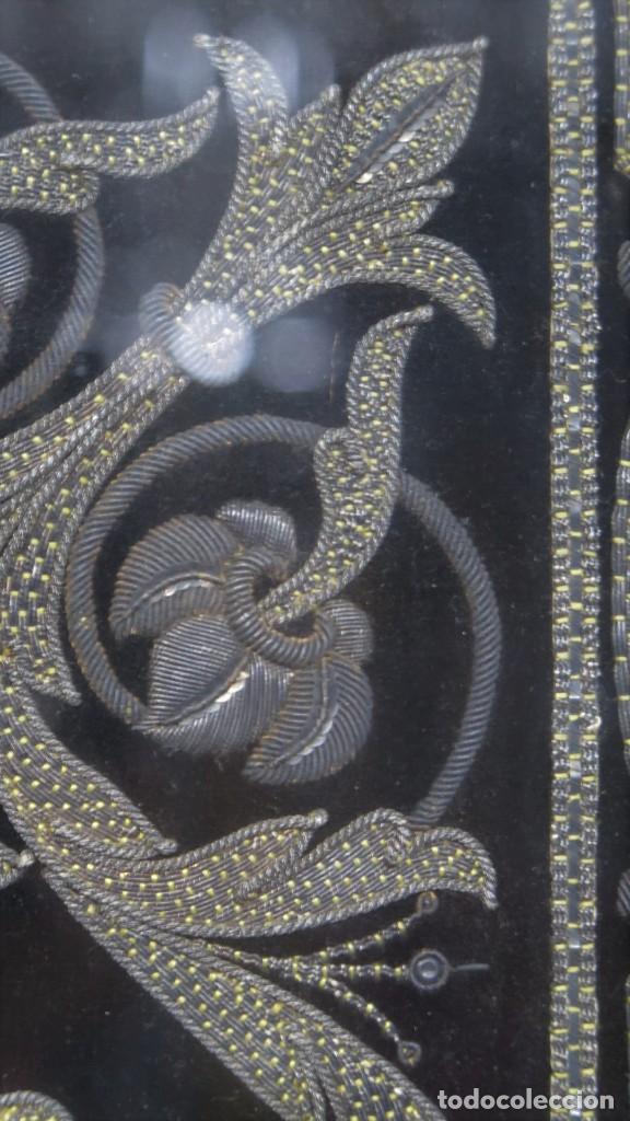 Antigüedades: RESPOTERO DE HERMANDAD O SOCIEDAD SECRETA. HILO DE PLATA SOBRE TERCIOPELO. SIGLO XIX - Foto 13 - 221336020
