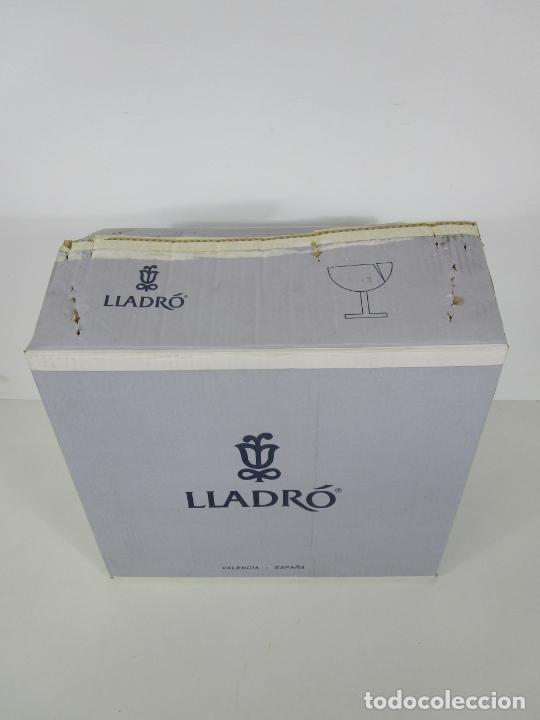 Antigüedades: Porcelana Lladró - La Infancia - Edición Limitada y Numerada - con Certificado y Caja - Foto 3 - 221344877