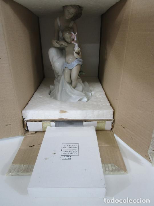 Antigüedades: Porcelana Lladró - La Infancia - Edición Limitada y Numerada - con Certificado y Caja - Foto 6 - 221344877