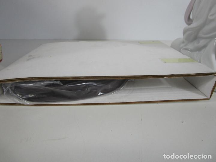 Antigüedades: Porcelana Lladró - La Infancia - Edición Limitada y Numerada - con Certificado y Caja - Foto 8 - 221344877