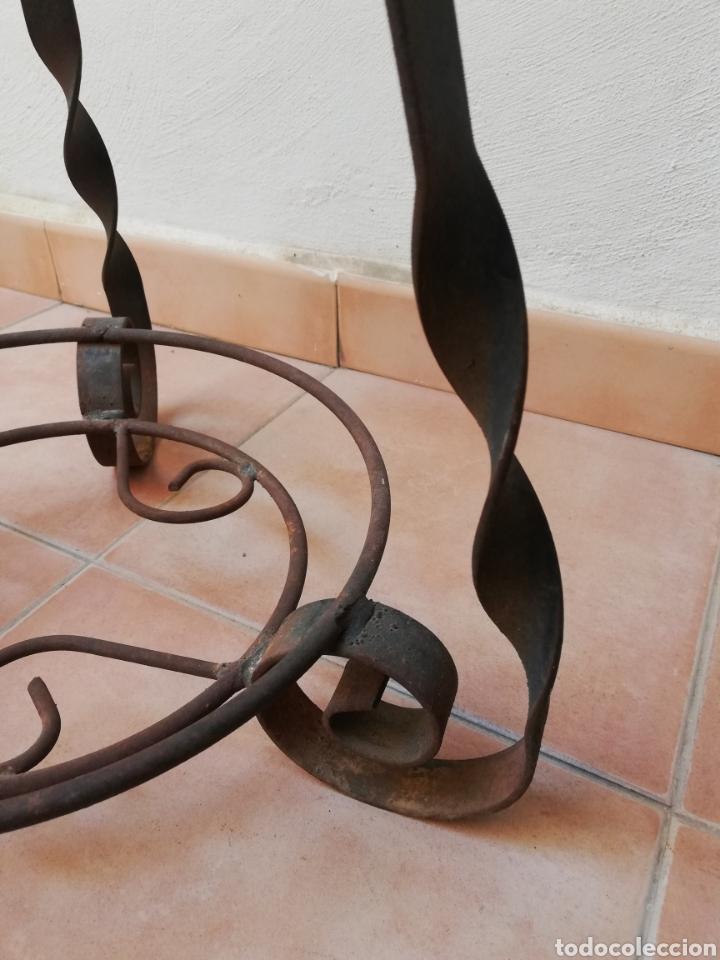 Antigüedades: MACETERO DE HIERRO FORJADO. ARTESANAL. RUSTICO. FUERTE. - Foto 4 - 221359530