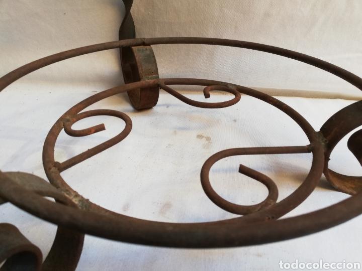 Antigüedades: MACETERO DE HIERRO FORJADO. ARTESANAL. RUSTICO. FUERTE. - Foto 9 - 221359530