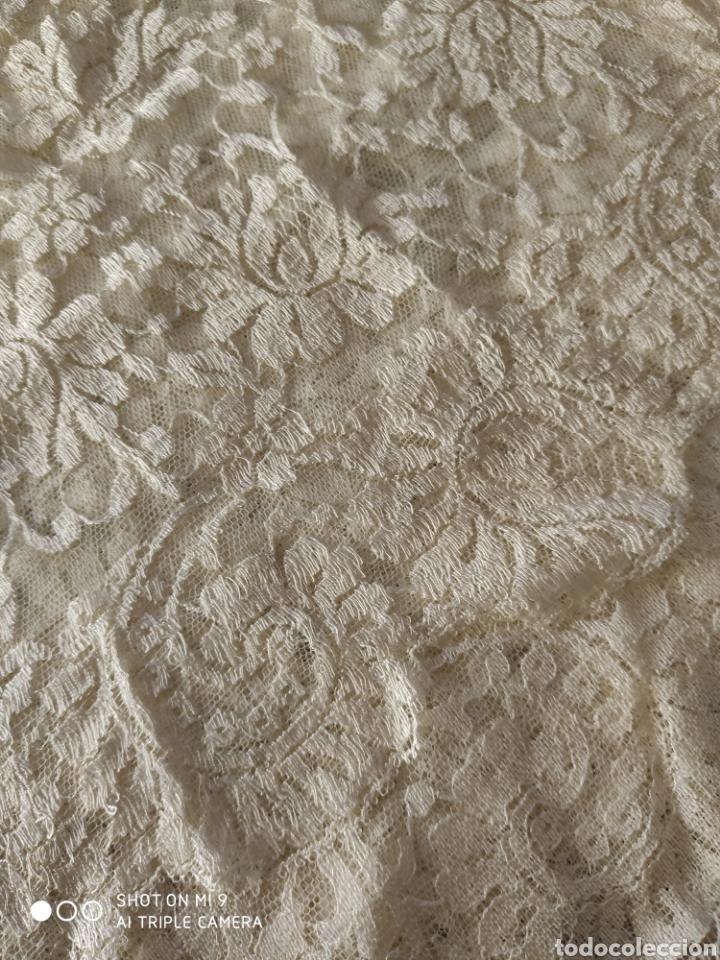 Antigüedades: PRECIOSA MANTILLA ESPAÑOLA COLOR PERLA NUEVA, (200X90) CENTIMETROS, IDEAL VIRGEN. - Foto 7 - 221364115