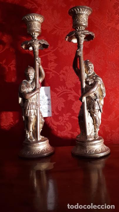 Antigüedades: Pareja de candelabros del siglo XIX. Estaño dorado. - Foto 3 - 221386825