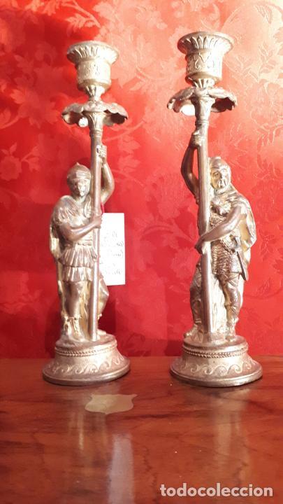 Antigüedades: Pareja de candelabros del siglo XIX. Estaño dorado. - Foto 4 - 221386825