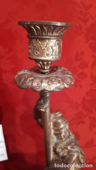 Antigüedades: Pareja de candelabros del siglo XIX. Estaño dorado. - Foto 6 - 221386825